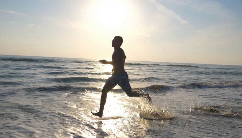 Έχεις πολλούς καλούς λόγους για να αρχίσεις το τρέξιμο στη θάλασσα - Κεντρική Εικόνα