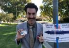 O...Borat πήγε πόρτα - πόρτα σε ψηφοφόρους πριν τις ενδιάμεσες εκλογές στις ΗΠΑ  - Κεντρική Εικόνα