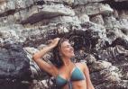 H Νάντια Μπουλέ σκαρφάλωσε σε βράχια και πόζαρε με μπικίνι [εικόνα] - Κεντρική Εικόνα