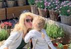 H μικρή κόρη της Μενεγάκη φορά γόβες στιλέτο της μαμάς και το Instagram λιώνει - Κεντρική Εικόνα
