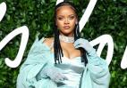 H Rihanna έκανε μια εκθαμβωτική εμφάνιση στα British Fashion Awards [εικόνες] - Κεντρική Εικόνα