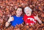 Αυτός ο νεαρός έχει γίνει διάσημος στο Instagram χάρη στην 93χρονη γιαγιά του  - Κεντρική Εικόνα